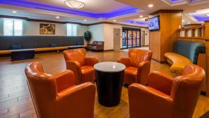 The lobby or reception area at Best Western Premier Toronto Airport Carlingview Hotel