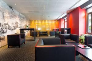 The lounge or bar area at Hotel Wartmann am Bahnhof