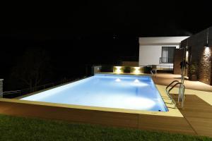 A piscina localizada em LBV House Hotel ou nos arredores