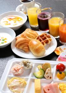 Breakfast options available to guests at Hotel Gyokusen