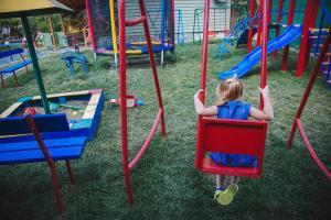 Дитяча ігрова зона в Dacha