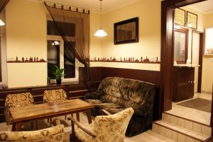 Ein Sitzbereich in der Unterkunft Hostel No 5