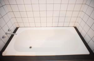 A bathroom at Jamila