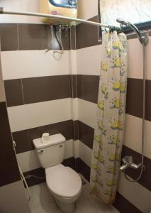 Ein Badezimmer in der Unterkunft Hue Happy Homestay