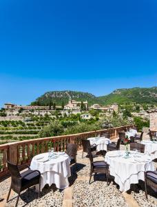 En restaurang eller annat matställe på Hotel Valldemossa