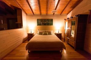 A bed or beds in a room at Southern Anchorage Retreat
