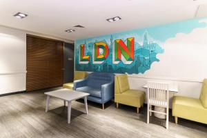 A seating area at YHA London Central