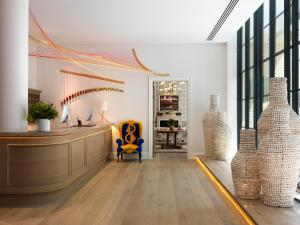 The lobby or reception area at Ham Yard Hotel, Firmdale Hotels