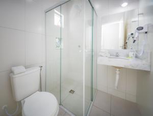 A bathroom at Mar e Mar Florianópolis