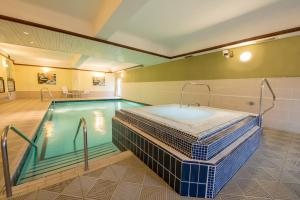The swimming pool at or near Burnham Beeches Hotel