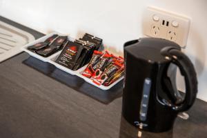 Coffee and tea-making facilities at Nightcap At Balaclava Hotel