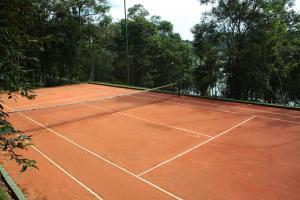 Теннис и/или сквош на территории Ecoresort Refúgio Cheiro de Mato или поблизости
