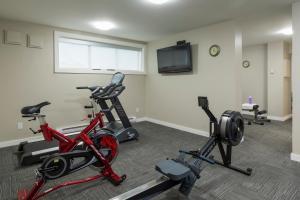 Фитнес-центр и/или тренажеры в Economy Suites by HomePort