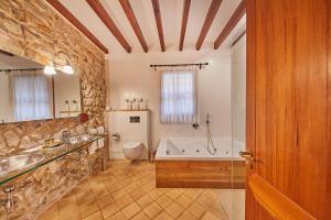 Un baño de Cas Comte Suites & Spa - Adults Only