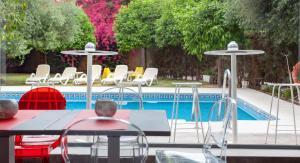 Der Swimmingpool an oder in der Nähe von AACR Hotel Monteolivos