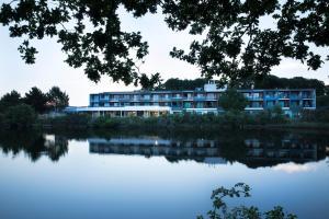 Piscine de l'établissement Best Western Plus Hotel les Rives du Ter ou située à proximité