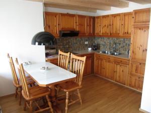 Küche/Küchenzeile in der Unterkunft City-Center Apartments