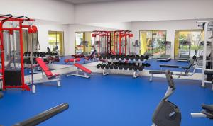 The fitness center and/or fitness facilities at La Casa de Los Milagros