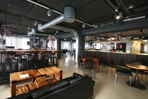 A restaurant or other place to eat at Urban House Copenhagen by MEININGER