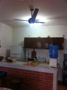 A kitchen or kitchenette at Casa Ilha Comprida