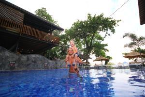 The swimming pool at or near Tartaruga Hotel