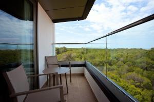 A balcony or terrace at Hotel Ipanema Beach