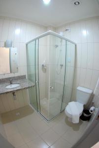 A bathroom at Simas Praia Hotel