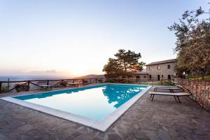 The swimming pool at or near Agriturismo Le Celle