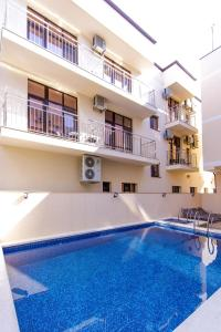 The swimming pool at or close to Hotel Coral