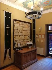 The lobby or reception area at Broomhall Castle