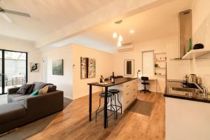 Küche/Küchenzeile in der Unterkunft Hilltop Apartments Phillip Island
