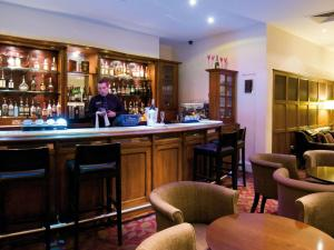 The lounge or bar area at Macdonald Botley Park Hotel & Spa
