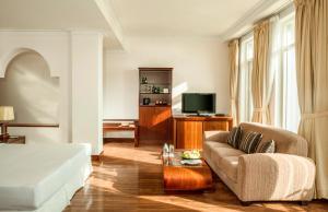 サンライズ ビーチ ホテル & スパ ニャ チャンにあるシーティングエリア