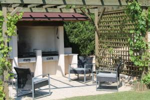 Barbecue disponible mis à disposition des clients de l'appartement