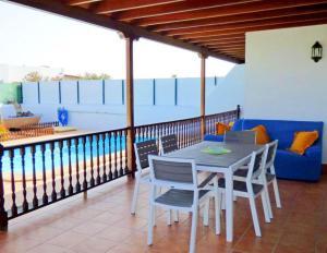 Un balcón o terraza de Villa Raima