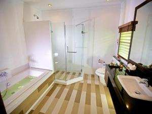A bathroom at Smile House - SHA Plus