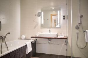 A bathroom at Radisson Blu Hotel Kaliningrad