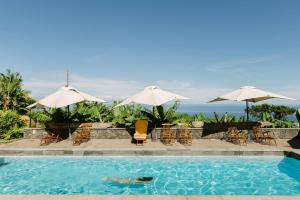 The swimming pool at or near Finca el Patio