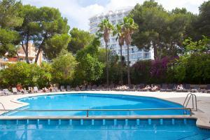 The swimming pool at or near Ipanema Park