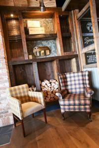 A seating area at The Commissioners Quay Inn