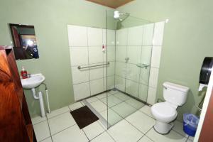 A bathroom at Hostel Cattleya - Monteverde, Costa Rica