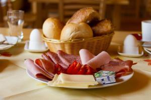 Frühstücksoptionen für Gäste der Unterkunft Bistro im Ring