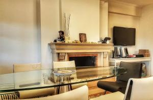 A television and/or entertainment centre at Panorama Fabulous Studio
