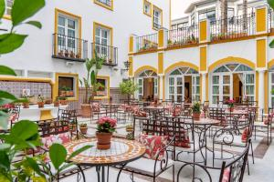 Un restaurante o sitio para comer en Vincci La Rabida