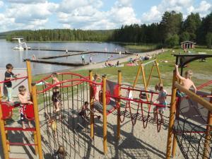 Lekplats på Saiva Camping & Stugby