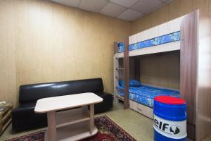 Двухъярусная кровать или двухъярусные кровати в номере Hostel Garage