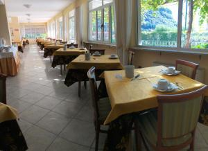 A restaurant or other place to eat at Hotel Giotto