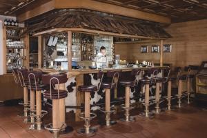 The lounge or bar area at Aktiv & Spa Hotel Alpenrose
