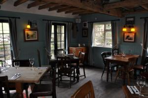 A restaurant or other place to eat at The Smugglers Inn