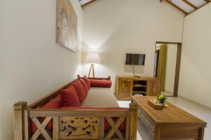 A seating area at Sweet Ginger Villa by Prasi